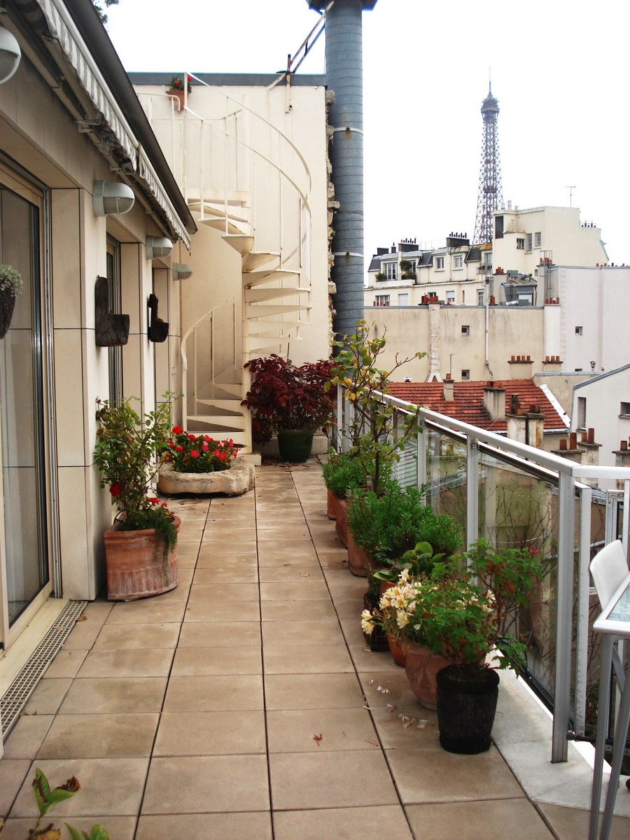 Appartement paris 16 me passy appartement au dernier tage for Vue terrasse