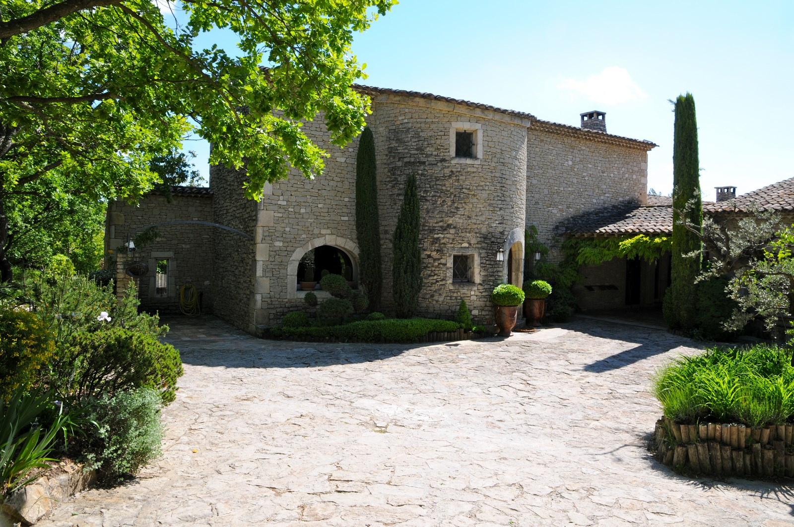Immobilier de prestige gordes for Site immobilier vente