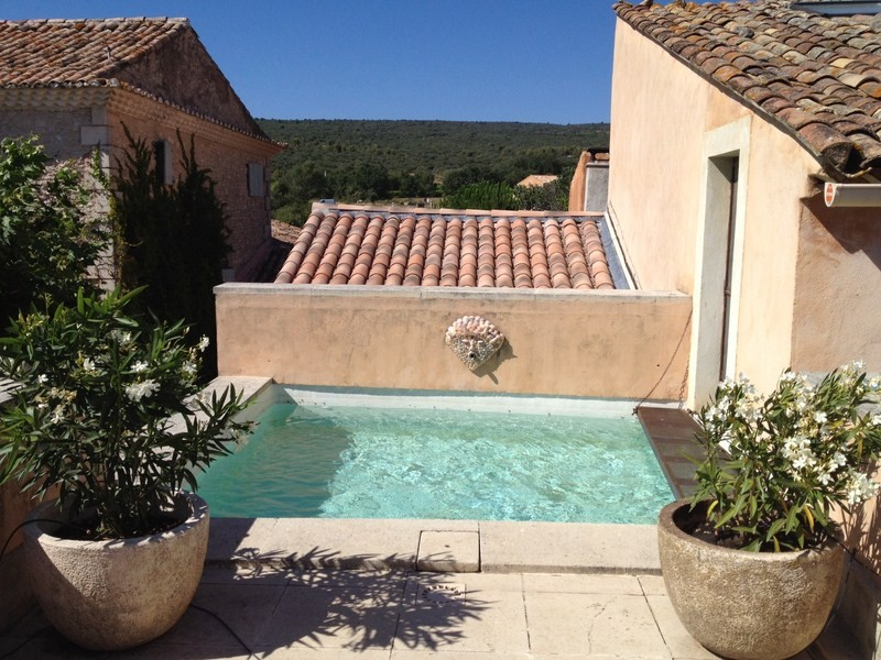 Sale 18th hamlet house roussillon provence luberon gordes for Nice small pools