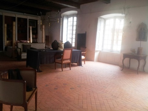 salle d'arme transformée en salon de reception