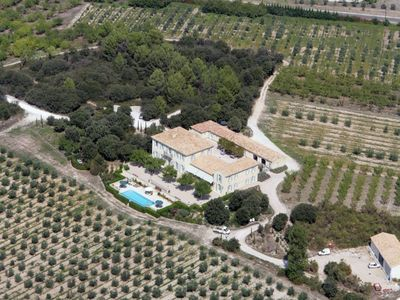 Olive Area Eygalli�re Alpilles Bastide 750 m2 in the heart of the Alpilles Range in Olive