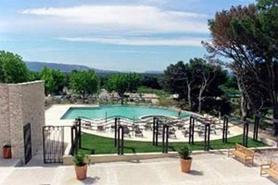 Appartement saumane de vaucluse l 39 isle sur la sorgue et for Club piscine lafontaine