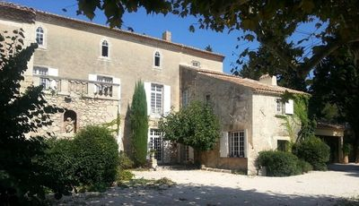 Bastide 18th Avignon at 10 minutes Fully refurbished,18th century, country house of 630 m2